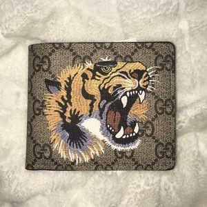Gucci GG Beige Supreme Tiger wallet